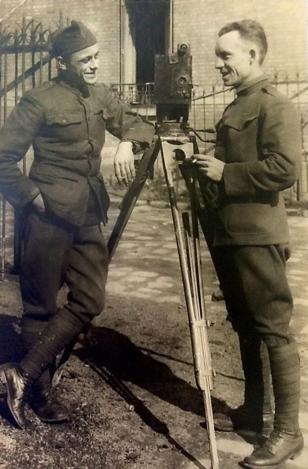 Jack Wagner, right, with his brother, Blake, served as combat photographers in France during World War I. (Photo: Wagner Family Collection)