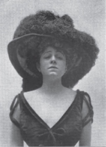 A young Valeska Suratt in 1906.